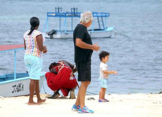 Jet Privato Flavio Briatore : Flavio briatore quot vendo il mio resort a malindi