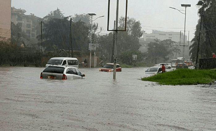 b5e253082ffb Per tre giorni Nairobi è stata messa in ginocchio dalle alluvioni. Continui  temporali hanno allagato parzialmente la città